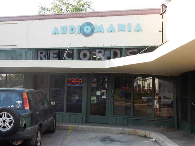 Audiomania Records - Memphis Tennessee store front