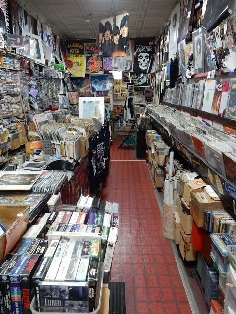 Music Country - Cliffside Park New Jersey - store interior
