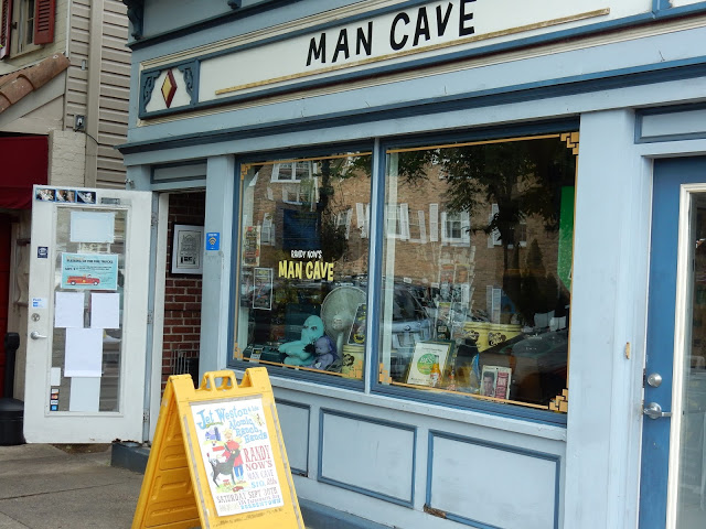 Randy Now's Man Cave - Bordentown NJ - store front