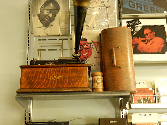 Record Collector - Bordentown NJ - Edison Cylinder Phonograph