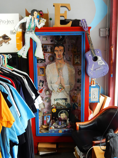Goner Records - Elvis Shrine - Memphis Tennessee