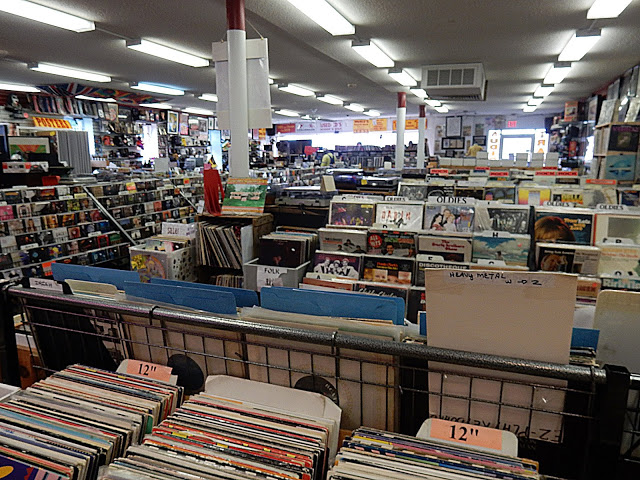 Merle's Record Rack - Orange Connecticut - store interior