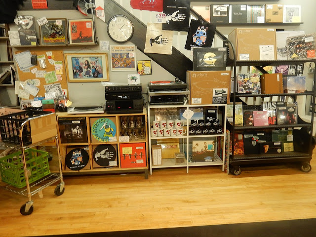 Reckless Records - Wicker Park Chicago store interior