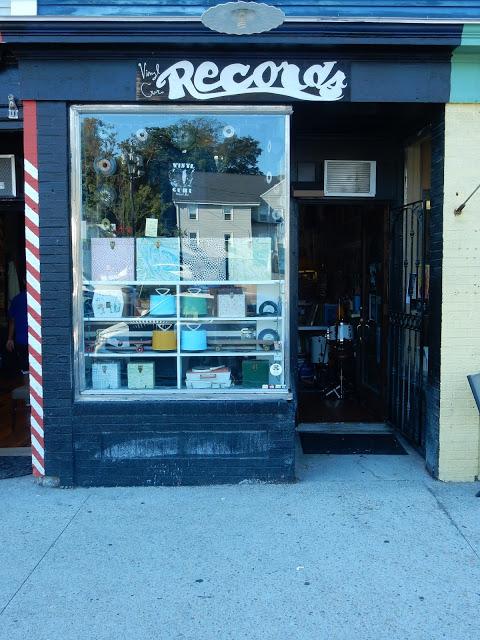 Vinyl Guru - Newport Rhode Island - store front