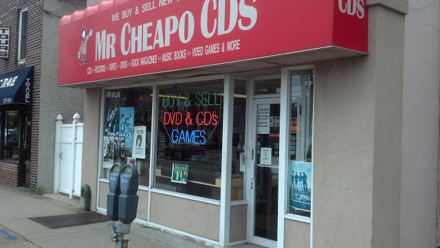 Mr. Cheapos - Mineola New York - Store Front