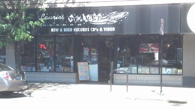 Laurie's Planet Of Sound - Chicago Ill. - Store Front